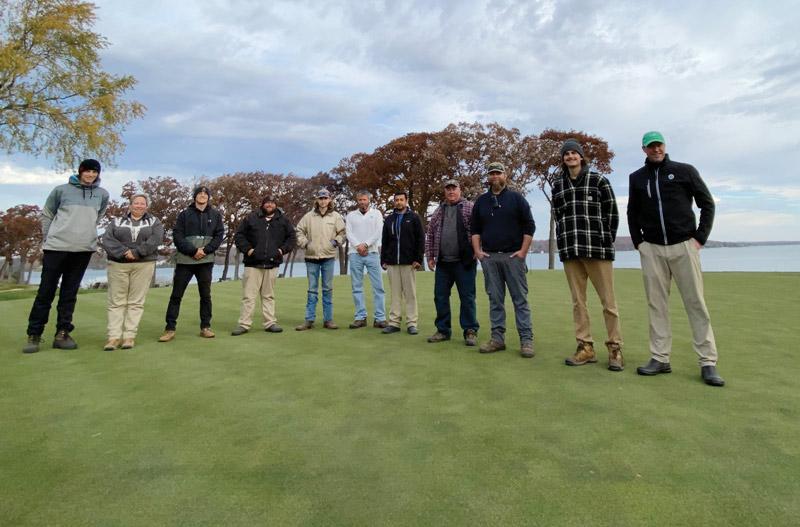 Golf Gen Z employees